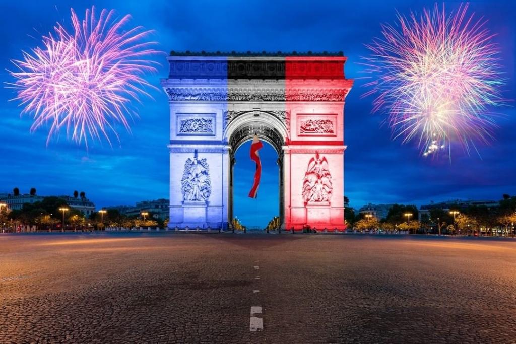 France Christmas Day, Dates, History, Celebration ...